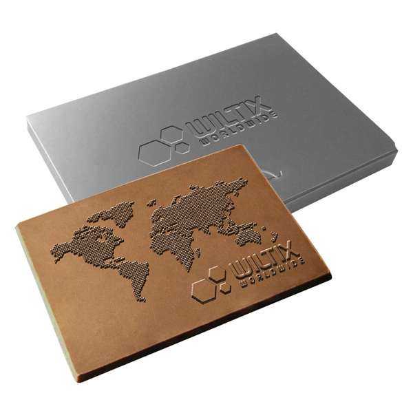 Embossed chocolade creditcard