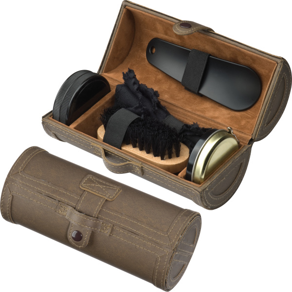 Shoe polishing case