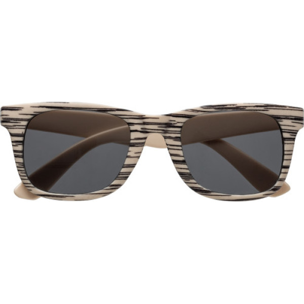 Sunglasses with wood effect